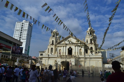Always my first stop whenever I go to Quiapo. I never knew that taking pictures inside the church was prohibited.  And so I went outside and positioned myself next to a police outpost. :D