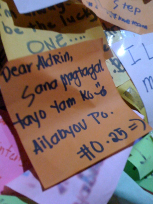 "This note almost have that incestuous feel to it... Bakit kasi may ""po""???!"
