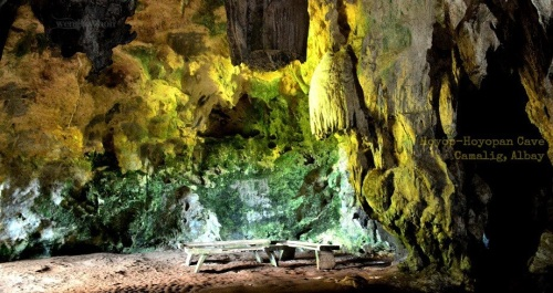 You can find interestingly-shaped rock formations, remains of people who once inhabited the cave hundreds of years ago.