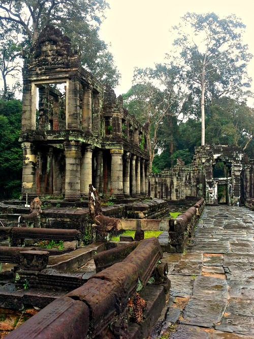 Preah Khan is built on the 12th century and this is all that remained of its library.