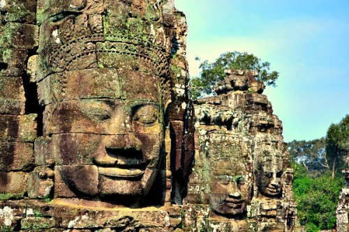 Also known as the Smiling Temple. This is said to be one of the finest example of Khmer architecture.