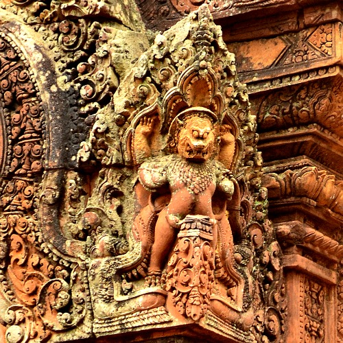The temples we have visited did not have the same intricate carvings as that of Banteay Srei.