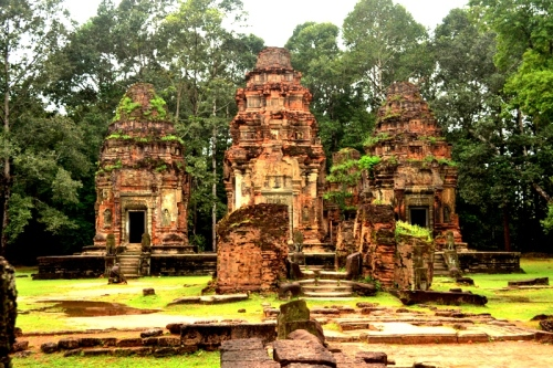 Preah Koh (Sacred Bull) is a Hindu temple and the first to be built in the ancient city,  Hariharalaya, now known as Rolous.